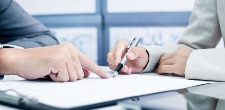 signing-contract-portrait-images-asia-by-nonwarit-fi