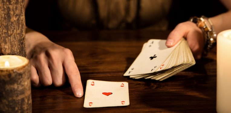 card-reading-fate-psychic-miriam-doerr-martin-frommherz-fi