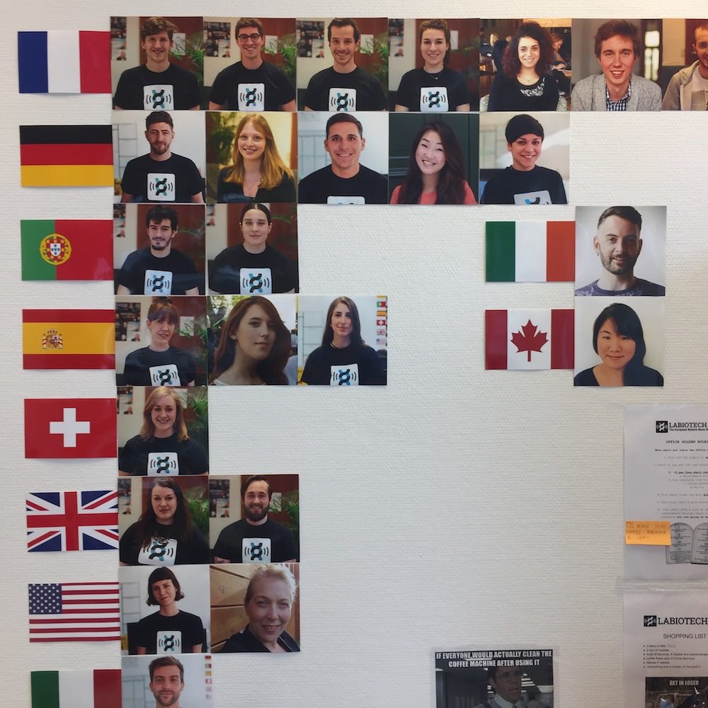 wall_of_people_labiotech_l